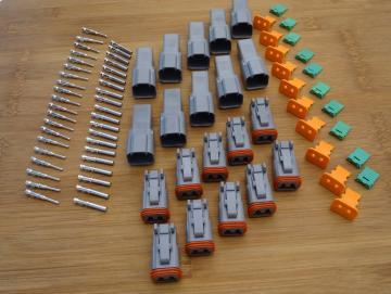 Deutsch DT 2polig 10er Set inkl  Pins gestanztInhalt:10x DT 04-2 P inkl. Keil10x DT 06-2 S inkl. Keil20 x Pin männlich gestanzt20 x Pin weiblich gestanzt